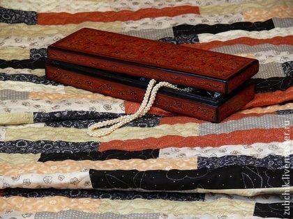 Лоскутный коврик Коралл и Жемчуг комплект. Вашему вниманию предлагается лоскутный коврик или дорожка 'Коралл и Жемчуг', Коврик уместно использовать в виде накидки на диван или кресло, а также как дорожку на большую кровать. Изготовлен из специальных тканей для…