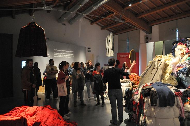 Museo del Tessuto a #Prato #InvasioniDigitali con le GGDToscana, Flod e Visit Prato #Italia #Toscana Photo by Marco Badiani #museodeltessuto