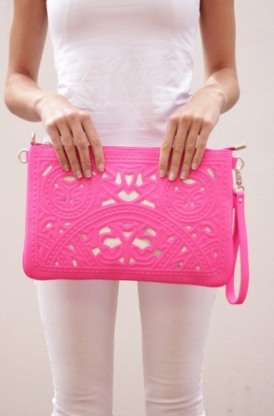 obsessed with this hot pink clutch paired with a white t-shirt + white jeans!