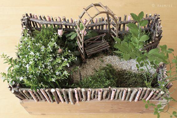 die raumfee geldgeschenk als minigarten verpackt basteln pinterest geldgeschenke. Black Bedroom Furniture Sets. Home Design Ideas