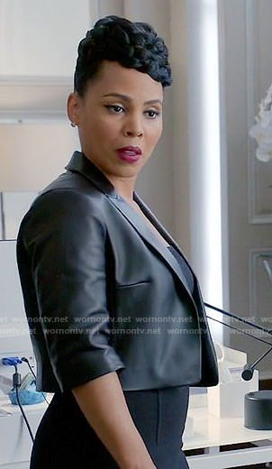 ad7559836f74f6 Tegan s cropped leather jacket on How to Get Away with Murder. Outfit  Details  https