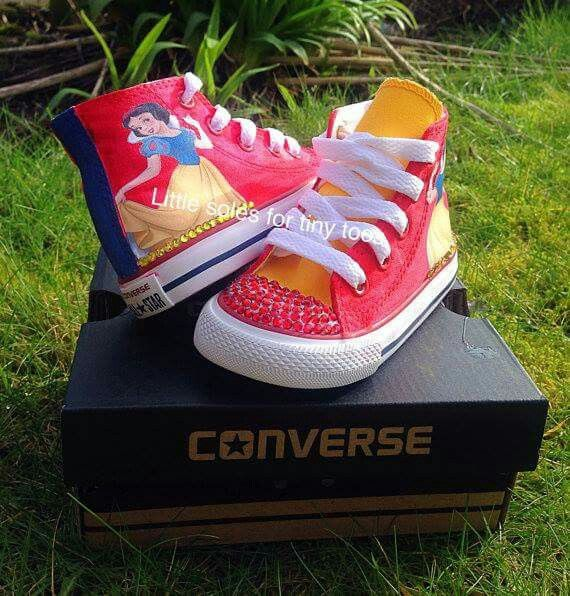 Snow White converse shoes
