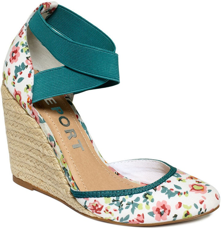 Closed toe floral #sandals for $49.00 would look so cute with a #sundress