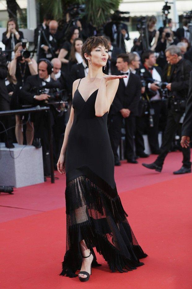 Ursula Corbero A Toquio De La Casa De Papel Brilha Em Cannes