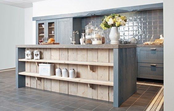 Mooie robuuste blauwe landelijke keuken