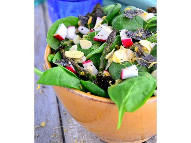 Asparagus Spinach Salad With Tahini Dressing