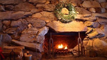 Get cozy at Asheville's Omni Grove Park Inn during the holiday season. #visitnc
