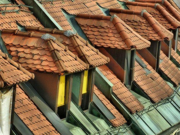 Ogrzewanie to główny koszt eksploatacji domu czy mieszkania. Wg danych GUS pochłania średnio ponad 70% całkowitej ilości energii zużywanej przez gospodarstwo domowe. Innowacyjne inteligentne okna pozwalają zmiejszyć zużycie energii nawet do 20%.  http://nieruchomosci.malopolska24.pl/2014/02/inteligentne-okna-zmniejszaja-zuzycie-energii-o-20/