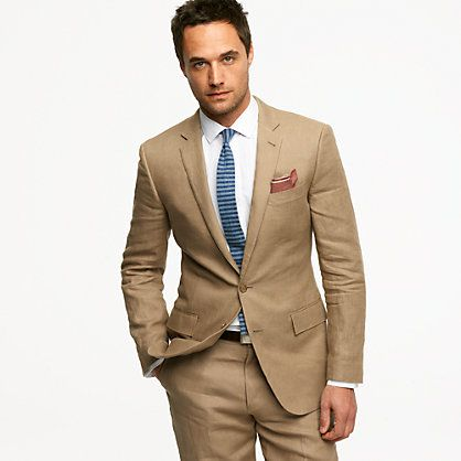 With a wide variety of designers, fabrics and cuts, our collection of men's suits is tailor made for every occasion. Choose from slim suits for a modern look, regular fit suits for the ultimate classic or tailored fit suits for a sharp, suave style.