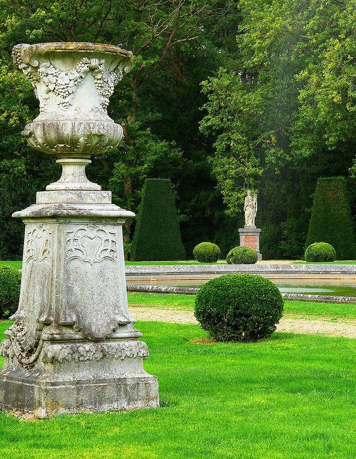 Jardins du Château de Breteuil, France