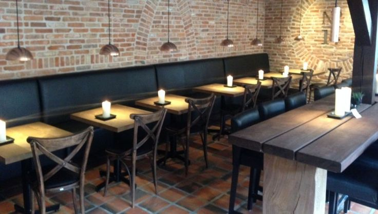 Vinbar 14, Vejle; THORS Café tables and Idun dining table