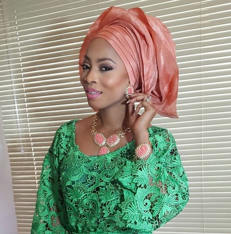 Wedding Guest: Checkout Toke Makinwa in Lovely Aso-Ebi Outfit