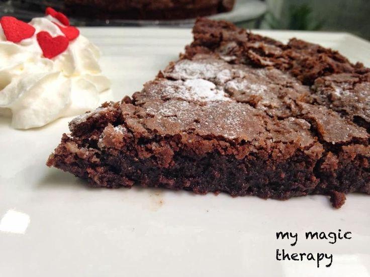 Una tarta irresistible para los amantes del chocolate. Queda crujiente por fuera y suave y cremosa por dentro. Todo un placer!!!! I...