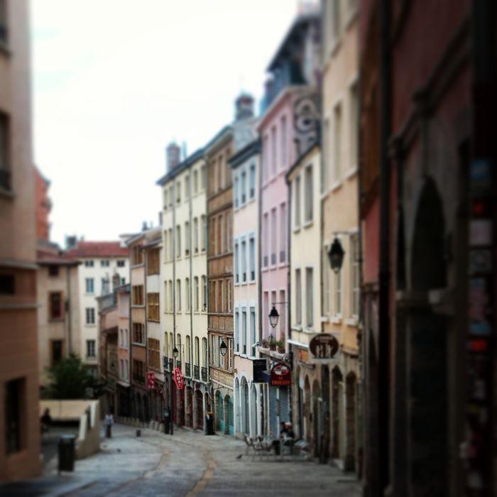 Lyon- get lost with me!  #onlylyon #lyon #france # street #french #houses #travelblog #blog #blogger #kokopelia #erasmus