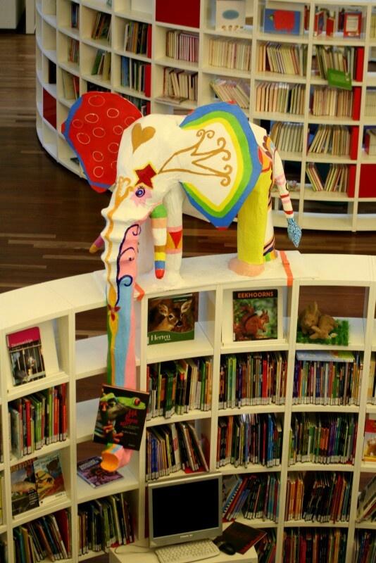 De olifant op de jeugdafdeling in de Centrale Bibliotheek