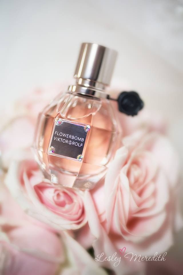 ♔ Victor & Rolf Flowerbomb! My favourite perfume Flowerbomb by Viktor & Rolf. This stuff smells aammazing. My brother gave me a bottle bottle of this for my birthday one year. LOVE ♥