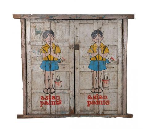 Оригинальные антикварные двери из массива тика с рисунком. Отличный вариант для загородного дома или ресторана в этническом стиле. Массив Тика