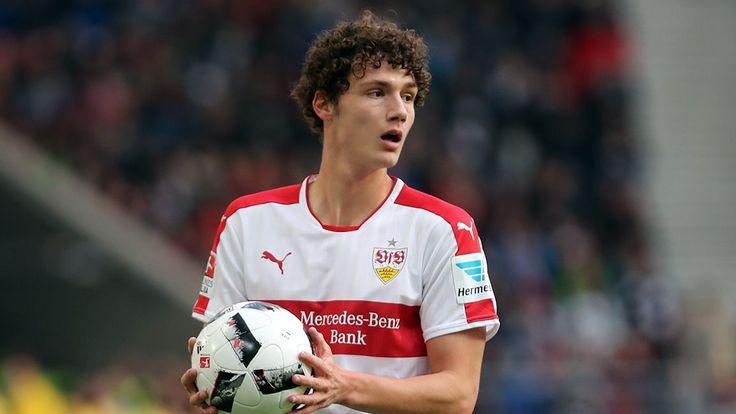 Η Tottenham τσεκάρει την περίπτωση του Benjamin Pavard της Stuttgart ως αντικαταστάτη του Toby Alderweireld εφόσον αυτός αποφασίσει να φύγ...