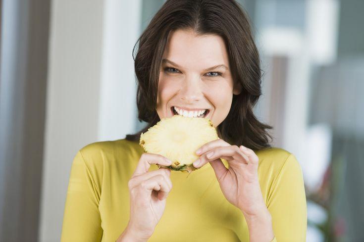 Wil je ook een platte buik? Als sporten niets voor jou is, kun je ook meer op je voeding letten en wat vaker de volgende ingrediënten gebruiken.
