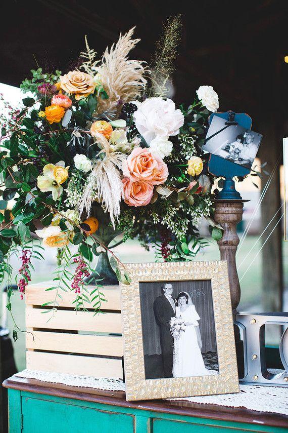 Romantic Savannah destination wedding: Marianne + Michael | Floral: Colonial House of Flowers