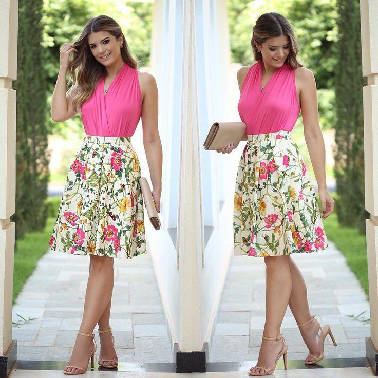 """""""{Midi Style} Look @loubucca Body deeeeuso + saia midi floral Super feliz em ter sido escolhida para divulgar para vocês em primeira mão a mais nova…"""""""