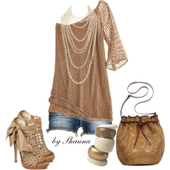 that top goes so nicely with those shoes #outfit #bags #dress #clothes #fashion #vintage #cute age #vogue #shoes