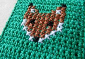 Kruissteek borduren op haakwerk – Knit & Knot