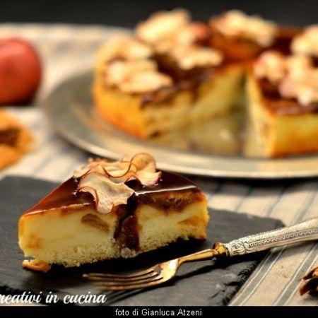 Torta magica alla vaniglia con mele caramellate