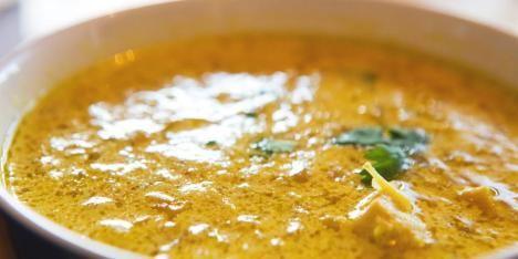 OPPSKRIFT PÅ THAISUPPE: Det er en nydelig thaisuppe som alle liker. Tom kha gai heter den noen steder, særlig i Thailand.=