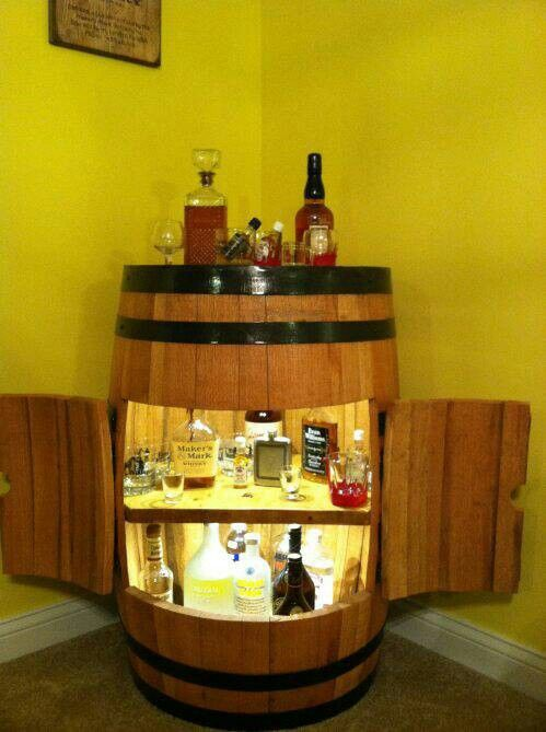 Whiskey Barrel Bar #diy #home #furniture #upcycle