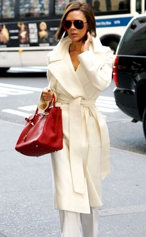 all winter whiteJackets Winter Woman, North America, White Coats, Winter White, Victoria Beckham, Fashion Inspiration, Chic Style, Red Bags, Street Chic