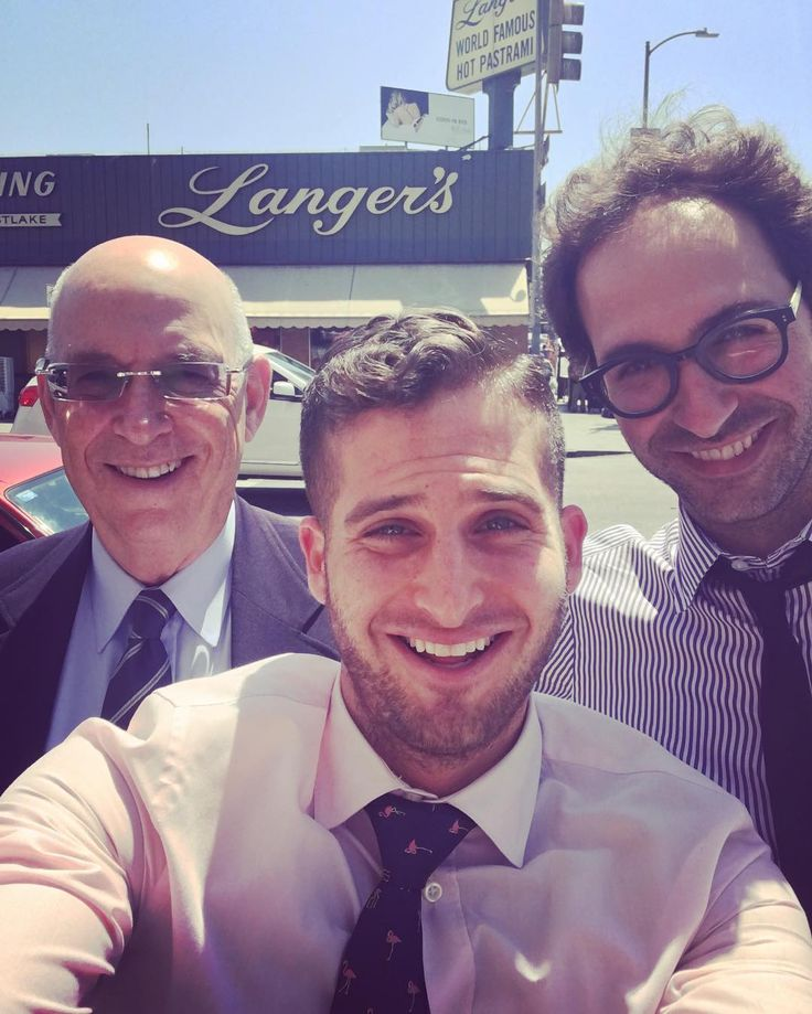 I had delicious Jewish deli with two very fine lawyers today! To the right is one of the best when it comes to estate planning and testamentary/trust schemes Zack Dresben Esq. To the left is Zack's dad Fred Dresben Esq. a killer family attorney and domestic violence specialist!  #criminaldefense #theleventhalfirm #networking #friendship #trust #respect #greatattorneystoworkwith