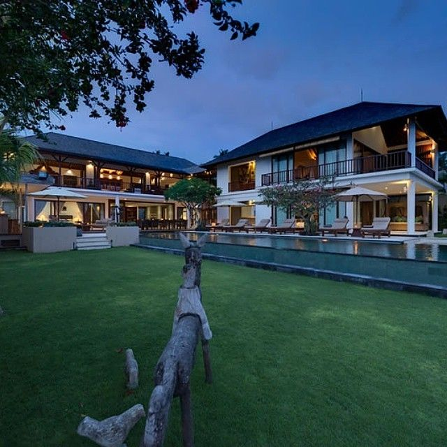 The luxurious Villa Asada, complete with #four bedrooms and a private swimming pool, is blessed with one of the most spectacular #coastline views in Bali. Located at #Manggis, near #Candidasa in #East...