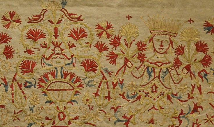 Κρήτη-Άκρο γυναικείου ενδύματος-ποδόγυρος με κεντημένη μορφή γοργόνας και πλούσιο φυτικό και ζωικό διάκοσμο. Μετάξι, χρυσόνημα. 18ος αι.