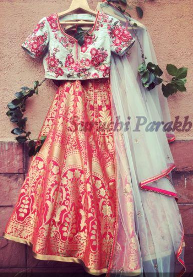 Beautiful Banarasi Lehenga and hand embroidered blouse! #Indainwear #indianwear #bridal #indiacolors #colorful #beautiful #lehenga #indian #wedding #ethenic #bride #bridesmaid #banarasi