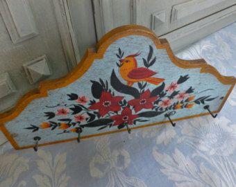 fabulous crochets de suspension vintage franais accroche torchon la main peint serviette vintage. Black Bedroom Furniture Sets. Home Design Ideas