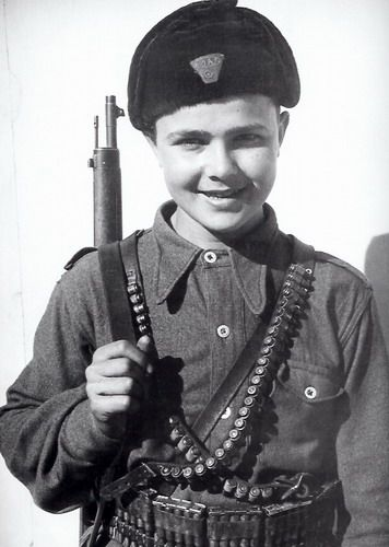 Young ELAS fighter in Greece from the book Ellada 1944 by Dmitri Kessel