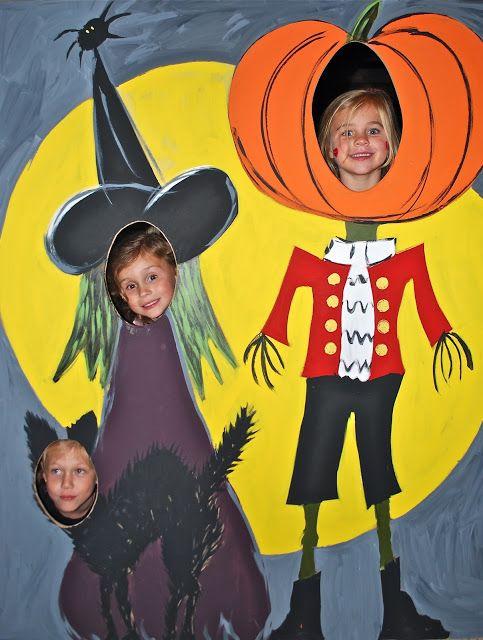 VREELAND ROAD: Halloween Decorations