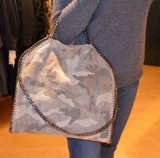 ...un camouflage che non può mancare....la nuova borsa di Stella McCartney www.ana-anna.com