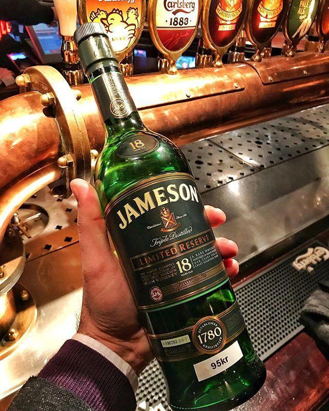 Yılın bu haftası kongre zamanı olduğu için 3-4 senedir her St Patricks Day kutlamasında başka bir ülkede oluyorumBu St Patricks Day de Kopenhag'a denk geldi #Jameson18  Sláinte ve Skål