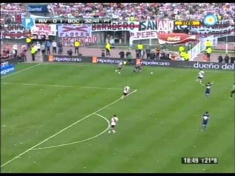 River 0 Boca 1 - Apertura 2013 Partido Completo (Relatos Mariano Closs)