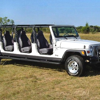 Jeep limo!!!!! my mind........ BLOWN