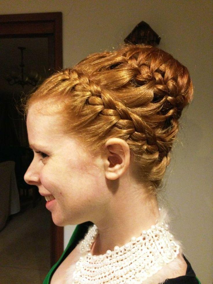 Dutt Frisur mit flechtzopf in drei Ebenen