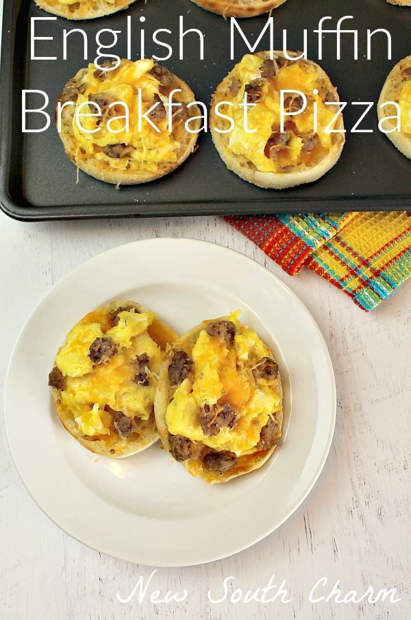 English Muffin Breakfast Pizzas a great make ahead breakfast. These are…