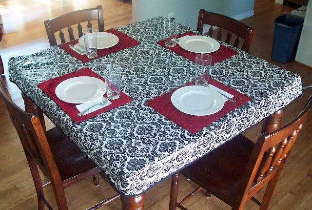 Fitted tablecloth sewing tutorial.  I love how clean this looks plus I won't have to worry about our toddler pulling it off.