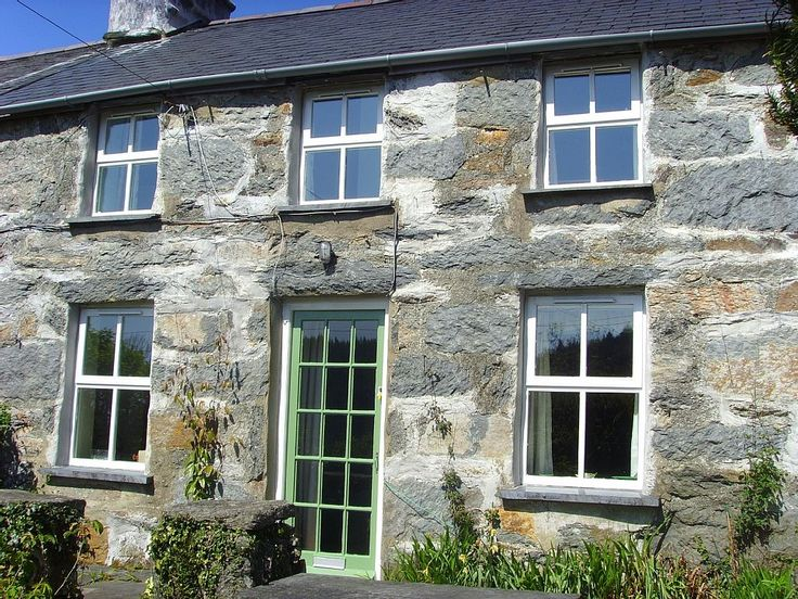Delightful Comfortable Cottage With Pretty Secluded Garden. Holiday cottage for rent from £68/PN with the added security of our fraud protection.
