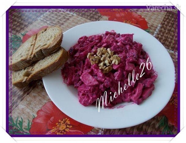 Cviklovo-zemiakový šalát s kyslou smotanou
