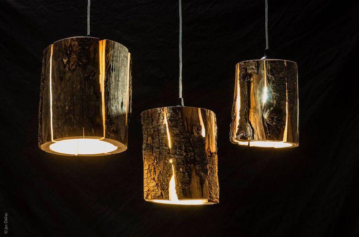 suspension en bois brut Cracked log lamps design par Duncan Meerding