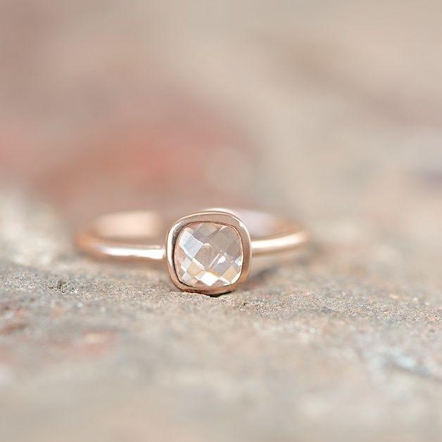 Roségoldring mit geschliffenem Bergkristall // rose gold ring with pure quartz via DaWanda.com