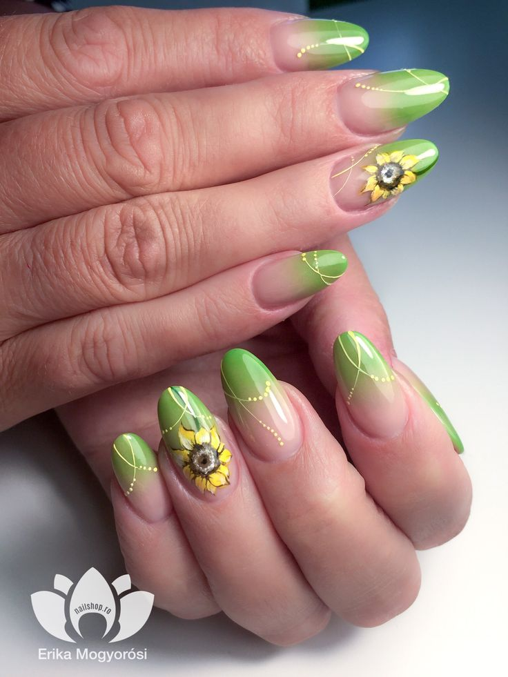 #lovely #nails #ombre #green #sunflower #nailstyle #nails2inspire #nailshop